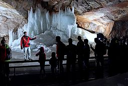 Guided tours in the Dachstein Ice Cave